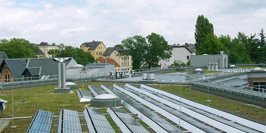dach-solar-100_1558-900x450_492.jpg